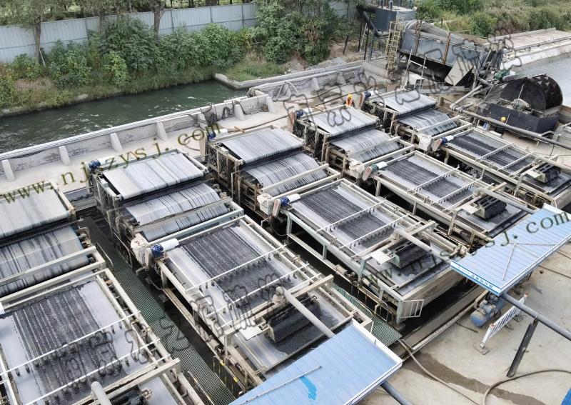 菏泽市黑臭水体治理青年湖清淤与淤泥脱水干化工程案例