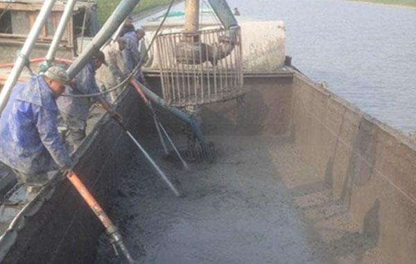 船上淤泥输送